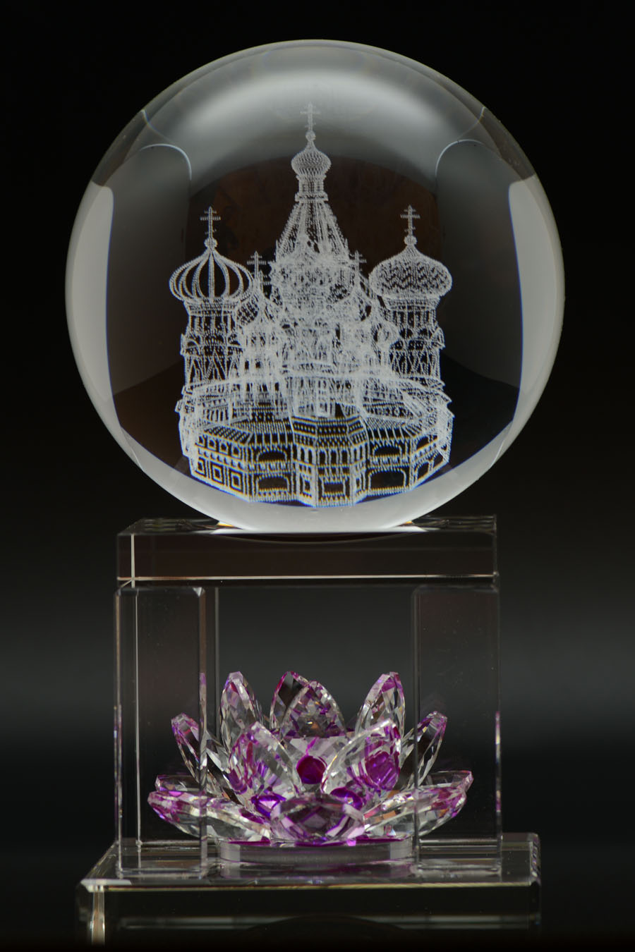 каких металлов заказ сувениров из парижа стеклянный шар фото проект представляет